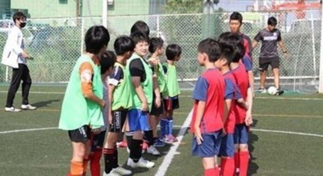 Halfway meeting kids soccer
