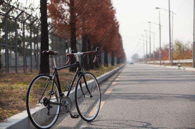 ロードバイクペダリングのコツは?疲れない&速くなる効率のいい走り方を紹介!