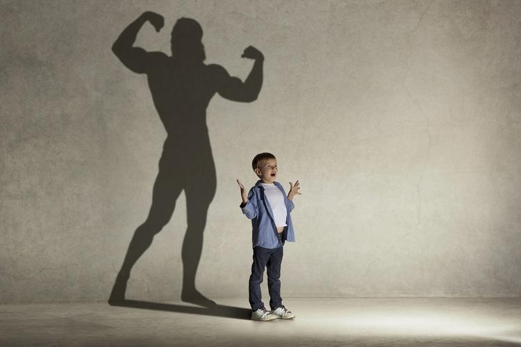 「小学生や中学生が筋トレをすると身長が伸びなくなる」は本当?トレーナーが解説