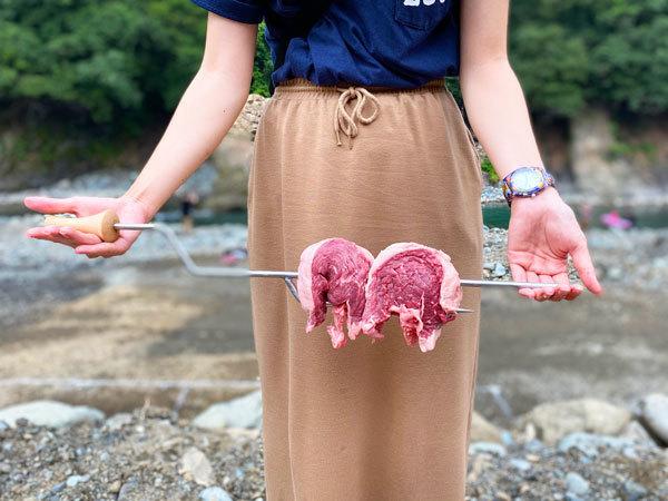 ラプカの肉焼き棒でLet'sシュラスコ!肉と女のバーベキュー