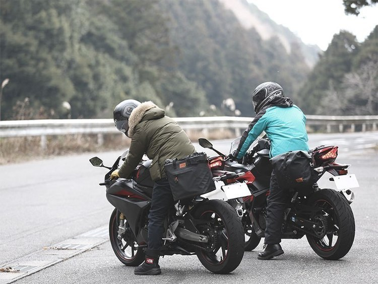 バイクで冬を乗り切れ!通勤バイカーが推す厳選防寒アイテム。