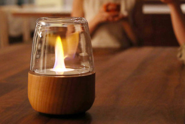トヨトミの癒やし系ランタンが正式発売! 炎のゆらめきを卓上で愉しめる話題作。