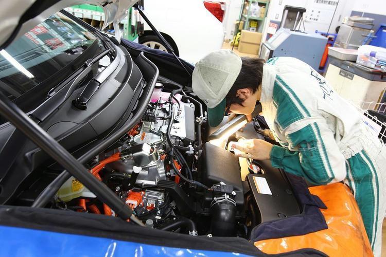クルマの電動化で「従来の技術」は通用しない? 自動車整備士を取り巻く環境変化とは