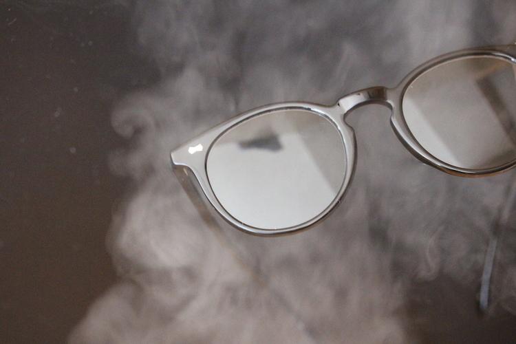 マスク着用時でも曇らないサングラス。アヤメから、ニューノーマルな生活への新提案。