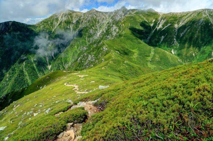 木曽駒ヶ岳 ロープウェイ利用の初級者から上級者まで楽しめる、中央アルプス最高峰へ!