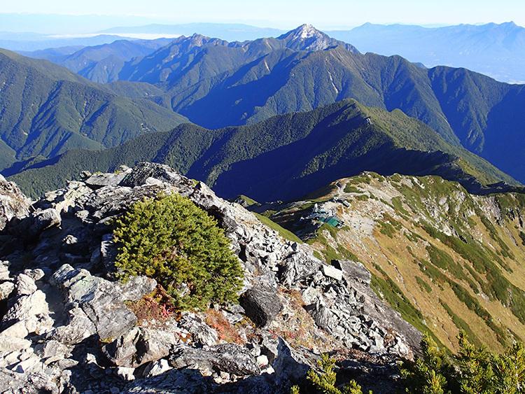 【山ガールチャレンジ】日本第2位の高峰へ『南アルプスの百名山 北岳にチャレンジツアー(1泊2日)』を9月23日(祝)~24日(金)に開催