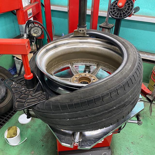 タイヤの交換時期と寿命を徹底解説!点検方法や長持ちさせるコツも!