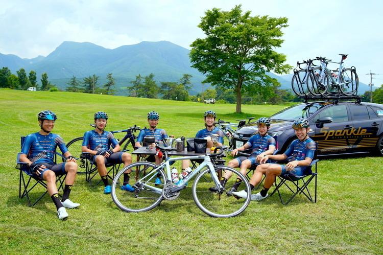 サイクルロードレースチーム「Sparkle Oita Racing Team」阿蘇くじゅう国立公園でサイクリング&グランピングガイドツアーを開催