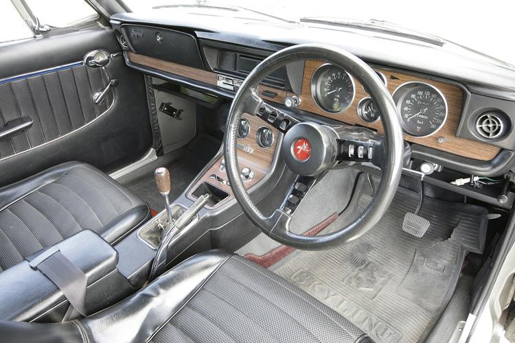 「木目」「木目調」「ウッド柄」の違いは? 旧車に「ウッドパネル」が多用されている理由