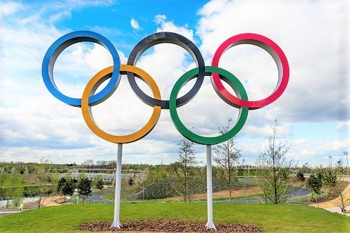 オリンピックはなぜ「平和の祭典」と呼ばれるようになったのか【世界が動いたスポーツ記念日】