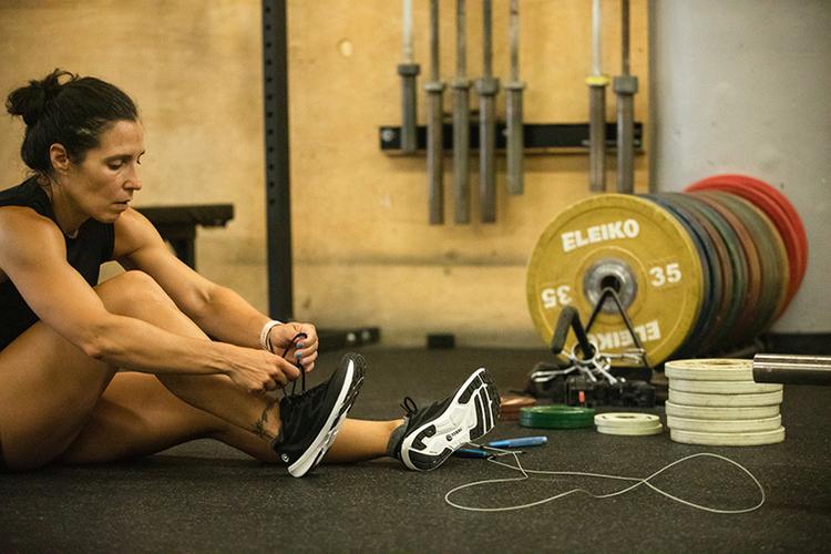 Topo Athletic(トポアスレチック)の新作ロードランニングシューズ「ST-4」が発売。