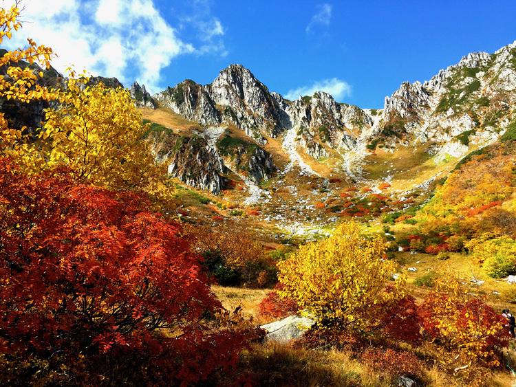 初心者の方も必見!登山のプロが教える、絶景の紅葉を堪能できる登山スポット7選 〜関東・中部エリア〜