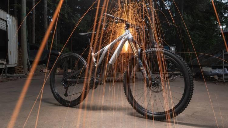 Specialized アルミフレームを採用した究極のトレイルバイクStumpjumper EVO Alloyを発売