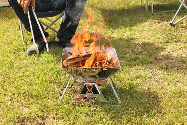 【レビュー】LOGOSの焚き火台「ピラミッドTAKIBI M」は2人キャンプにぴったり♪使ってみた感想
