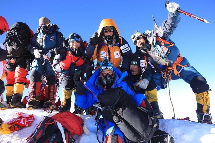 日本人サラリーマンのエベレスト挑戦、スイス高級時計ブランド「ファーブル・ルーバ」の腕時計がサポート!