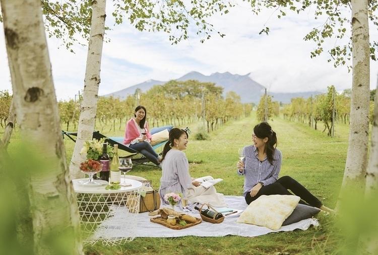 [PR]八ヶ岳の葡萄畑でのんびり過ごす「土曜日はヴィンヤードブランチ」を開催