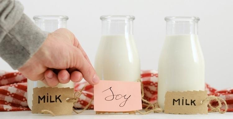 男性が豆乳を飲むと、ホルモンバランスが崩れるってホント?専門家に聞いてみた