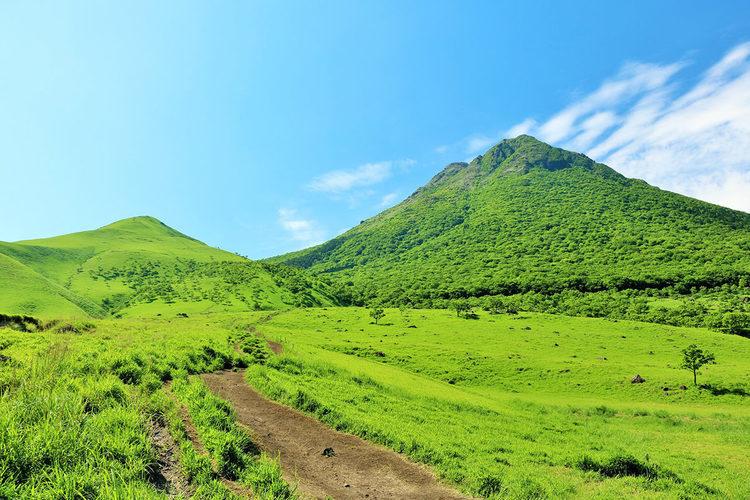 阿蘇くじゅう国立公園の1つ・ユニークな形をした「由布岳」に登ってみよう!