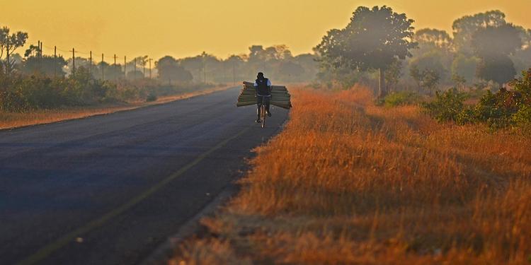 自転車の旅 マラウィ編 vol.1 〜ある家族との出会い 2〜【アンバサダー ロウ 麻友&エリオット】