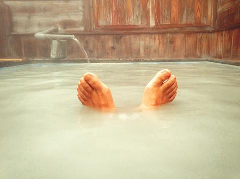 「水とお湯、交互に浸かると疲れがとれる」ってホント?お風呂博士が解説