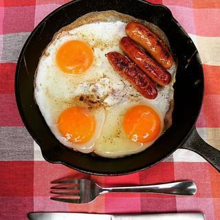 忙しいキャンプの朝ごはんにおすすめ!簡単&楽ちんレシピ3選