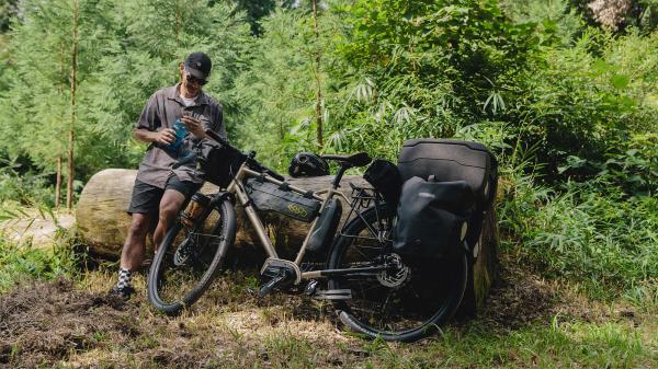 FUJIから2台のE-Bike「FARPOINT」「MOVIATOR」が登場