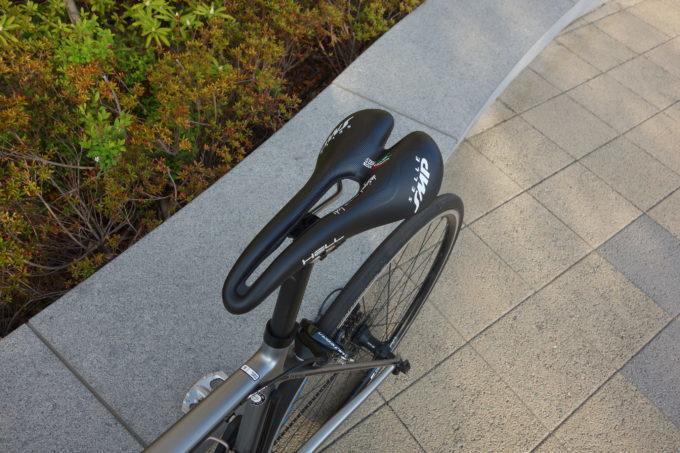 【SMPサドル】お尻・股間・尿道が痛くない!ロードバイクには穴あきクッションサドルが良いぞ!