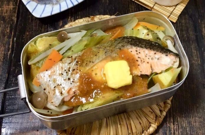 今が旬!秋鮭のチャンチャン蒸し【目指せメスティンマニア!レシピ#47】