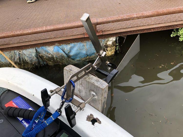 カケヅカデザインワークス 新型ボートラダー。仕舞寸法ヨシ。シャロー侵入ヨシ。