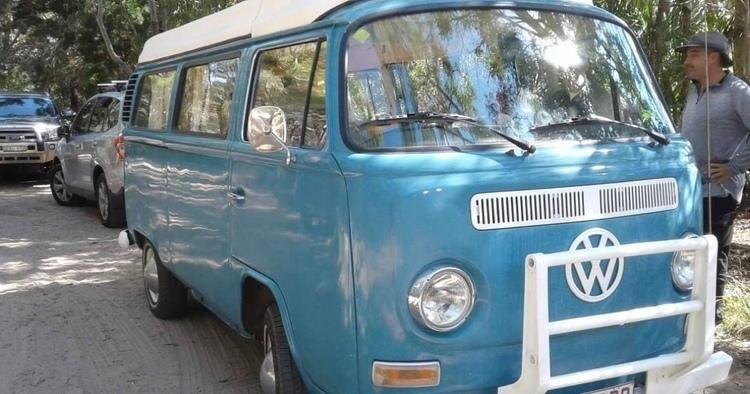 ワーゲンバスをDIYでキャンピングカーに改造したオーナーに突撃インタビュー【海外のキャンピングカー事情】