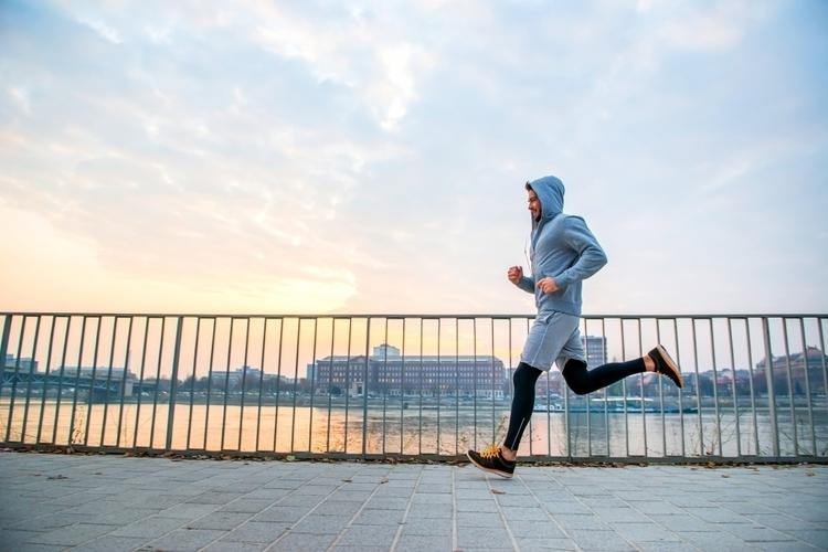 週3回以上70%の強度で30分がメンタルに効く。「2時間48分」医師ランナーが助言【ランニング ×メンタル】