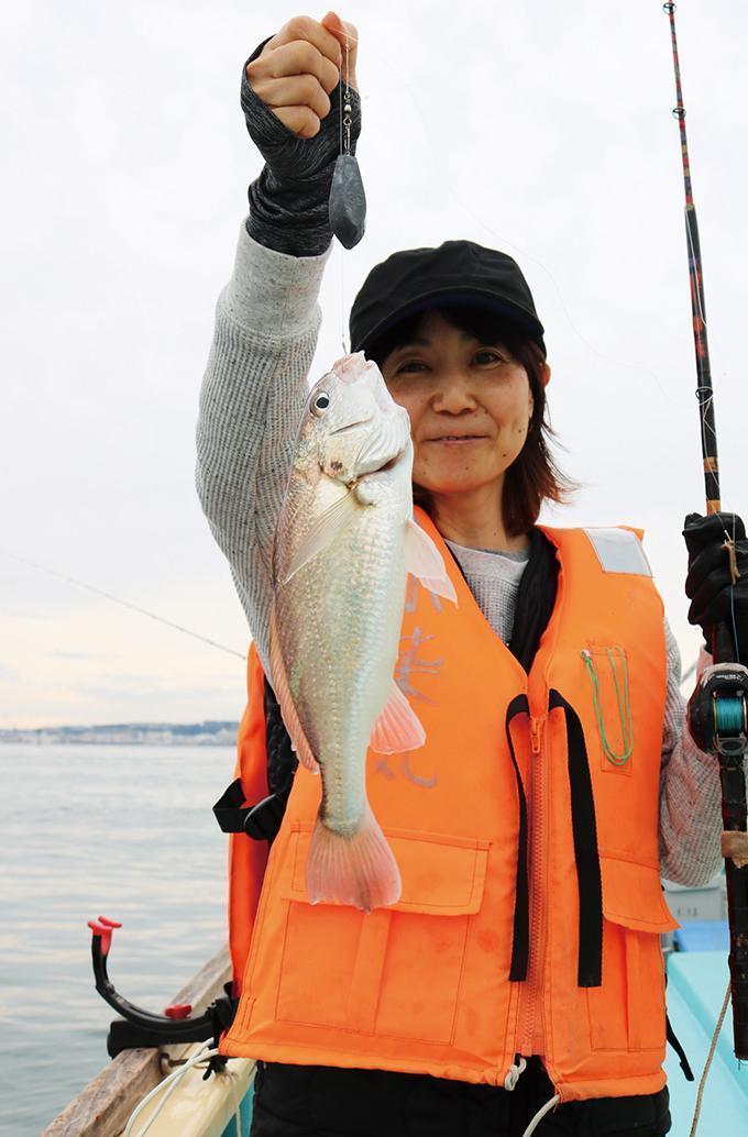 東京湾イシモチ!浅場で大爆釣!朝から入れ食い&大漁確定!