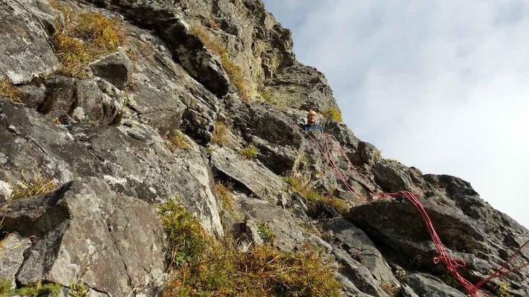 岩場、鎖場での自己確保の方法 – 山の相談小屋
