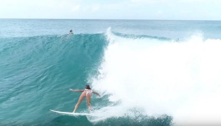 注目の若手サーファー サクラ、カイアス・キング、ラスマス・キング 11/29のハワイ ノースショア ドローンサーフ映像