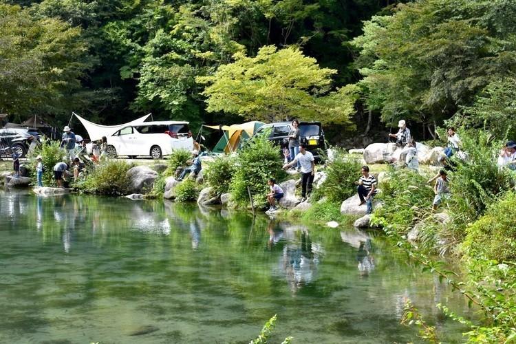河畔や森林など700サイト!神奈川・足柄の巨大オートキャンプ場「ウェルキャンプ西丹沢」。【お風呂に入れるキャンプ場FILE #40】
