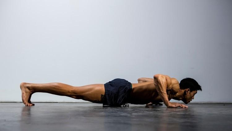 筋トレ初心者は「アイソメトリクス(等尺性筋収縮)トレーニング」で筋肉を鍛えよ。その理由と効果的なやり方とは