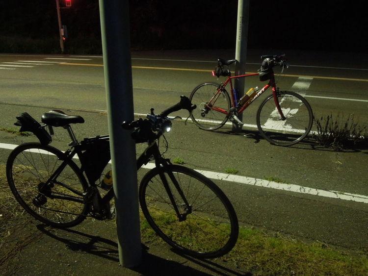 フラッシュライトを簡単に自転車に装着するライトホルダーまとめ