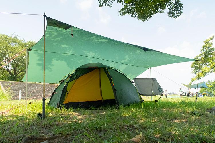 【レビュー】「ヒルバーグ」タープ10 ULはデュオキャンプからULスタイルまで使えて便利!