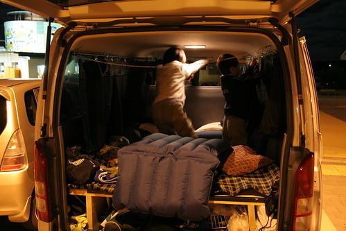 布団?寝袋?車中泊におすすめな寝具とメリット&デメリットをそれぞれご紹介!