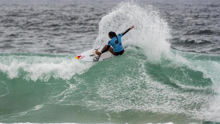 """【colorsTV】川合美乃里、野中美波がラウンド3進出!サメが出て一度中断となったオーストラリアのニューカッスルで開催中のWOMENS QS5000″Doyle Partners Women's Pro""""コンテストDAY2日本人ハイライト"""