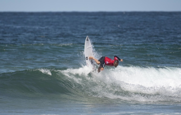 """【WSL】村上舜が1位のポジションでラウンド5進出!! オーストラリアのマンリービーチで開催中のQSCS""""Sydney Surf Pro""""ラウンド4が無事終了"""