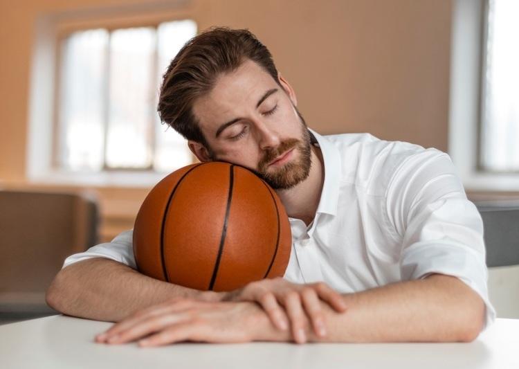 多くの日本人は睡眠に不満を持っている。フィリップス、睡眠とスポーツパフォーマンスの関係を調査
