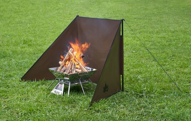 LOGOS(ロゴス)、風からたき火を守る陣幕型ウィンドスクリーン「TAKIBI de JINMAKU」新発売