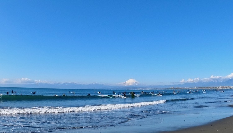 コロナウィルス感染拡大を防止する為にサーフィンは自粛するべきか?未来は僕らの手の中に!簡単1分アンケート
