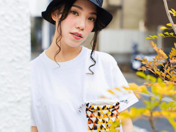 胸の巾着ポケットがかわいいTシャツ。【gRon】の巾着Tシリーズ。
