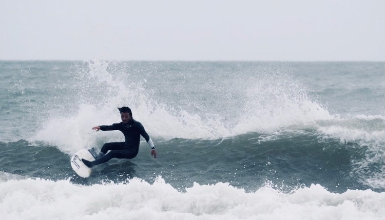 サーフィン自粛を宣言していた田中英義プロが50日ぶりにサーフィンを開始!
