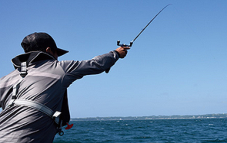 船釣りに適した服装ってどんなもの?季節別おすすめアイテムを徹底チェック