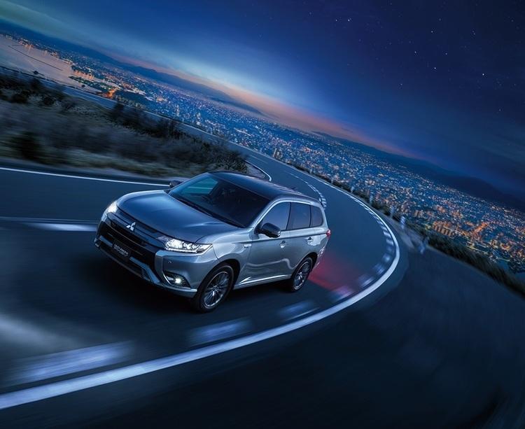 三菱 アウトランダーPHEVに特別仕様車「ブラック エディション」を追加発売