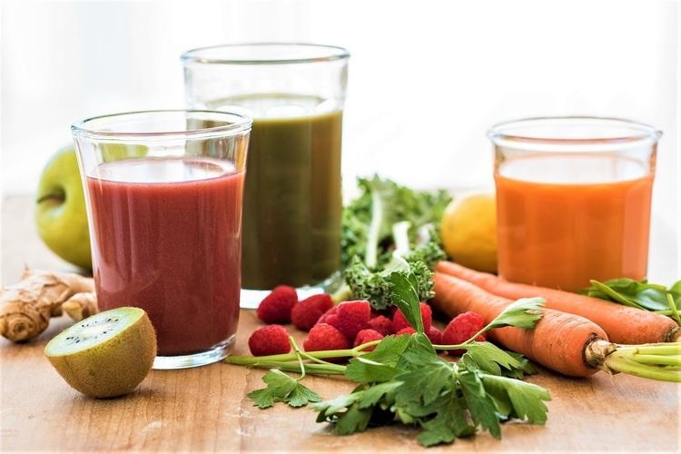 野菜ジュース、飲用頻度が2012年から減少傾向に。飲むのは「朝食時」、人気商品は「1日分の野菜シリーズ」
