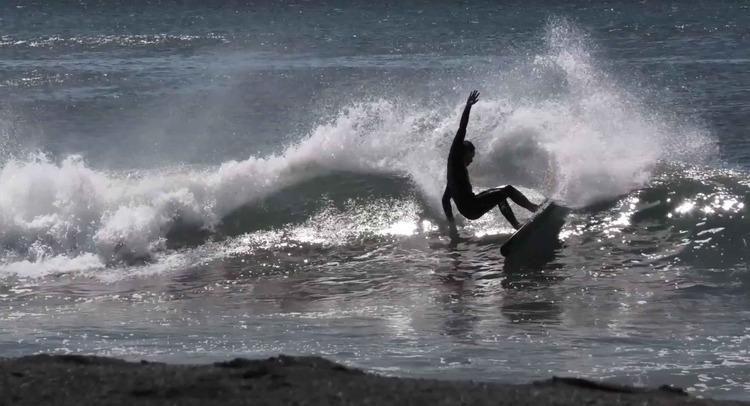 【オルタナティブ】松野陽斗による日本用にチューンされた日本製VISION surfbaordsのツインフィッシュでの湘南セッション